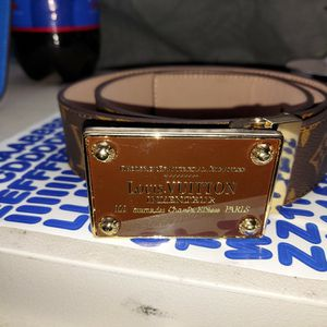 Louisvuitton belt for Sale in Fresno, CA