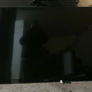 55 inch Panasonic tv for Sale in Des Moines, WA