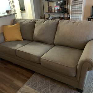 Light Grey Couch for Sale in Union City, CA