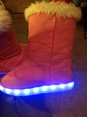 Rechargeable Pink snow boots with light up bottoms girls 1 for Sale in Louisville, KY