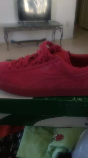Puma classic ice mix rose red for Sale in Las Vegas, NV