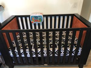 Crib, changing table and dresser set! for Sale in Los Angeles, CA