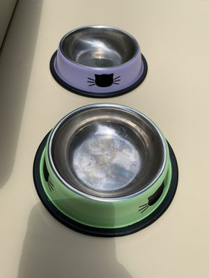 Small cat food bowls (2) for Sale in Barboursville, VA