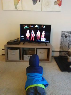 Roku with remote tcl 32 Inch tv for Sale in Menasha, WI