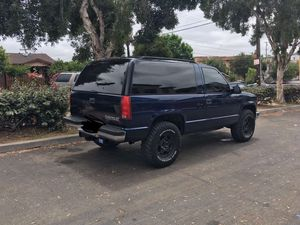 1998 CHEVY TAHOE LS 2 DOOR 4x4 GAS ENGINE for Sale in Chula Vista, CA