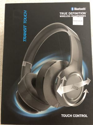 Bluetooth wireless headphones for Sale in Brockton, MA