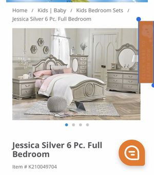 Girl dressers and bed for Sale in Maywood, IL