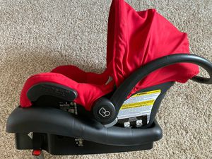 Maxi Cosi Car seat with base for Sale in Hanover Park, IL
