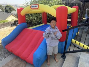 Little likes bounce and play for Sale in Daly City, CA
