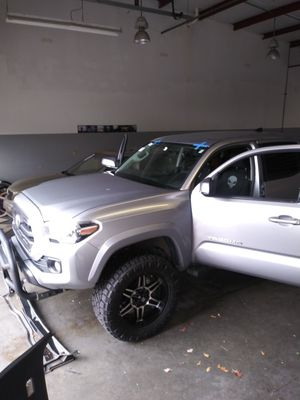 New windshield for 2017 Toyota Tacoma with GoPro mount for Sale in Ellenwood, GA