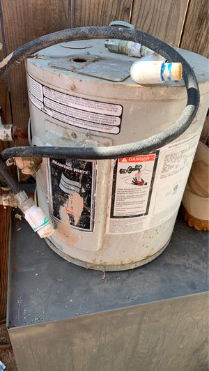 Bradford automatic water heater. for Sale in Moreno Valley, CA