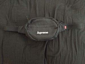"""Supreme waist bag """"FW 18"""" for Sale in Providence, RI"""