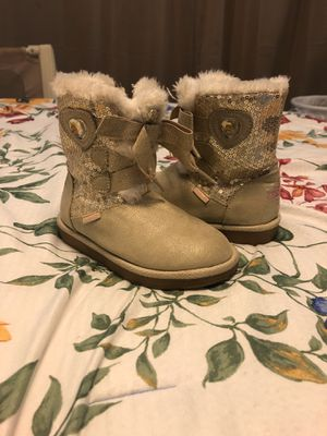 Girls winter boots US 9 for Sale in Asheboro, NC