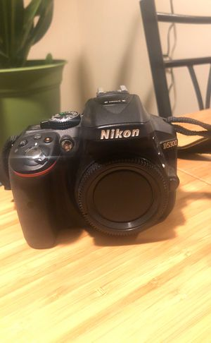 Nikon D5300 for Sale in Ontario, OR
