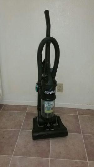 Eureka Airspeed vacuum aspiradora for Sale in San Diego, CA