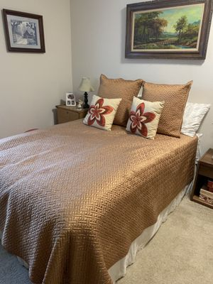 Bedroom set: Moving Sale for Sale in South Hill, WA