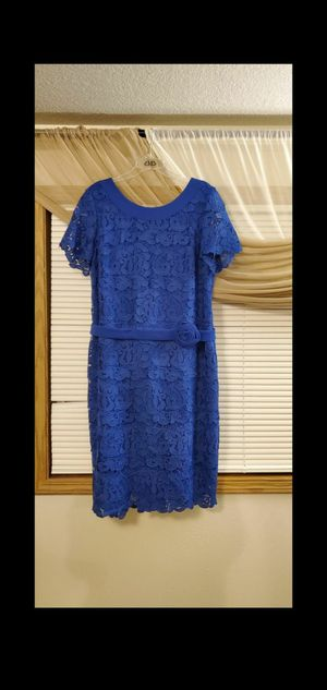 Evening thick lace dress for Sale in Vancouver, WA