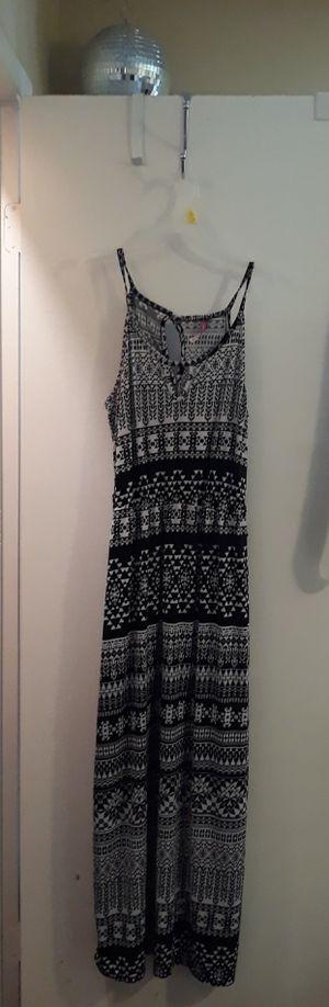 Womens Size medium dress. for Sale in Fresno, CA
