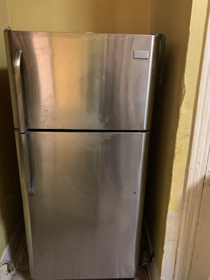 Kennmore refrigerator like new for Sale in Arlington, WA
