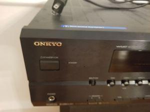 onkyo htr540 surround sound reciever for Sale in Delair, NJ