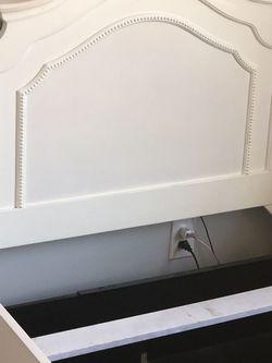 Twin Bed w/ storage trundle & Desk w/hutch for Sale in Acworth,  GA