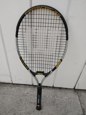 TENNIS RACKET. WILSON FEDERER 25...VOLCANIC FRAME TECHNOLOGY...IN EXCELLENT CONDITION for Sale in Alhambra, CA