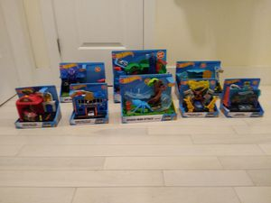 Hot wheels city play set 2018 bundle kids game toys for Sale in Brooklyn, NY