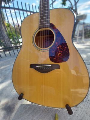 Mint Condition Yamaha fg700s Guitar for Sale in Los Angeles, CA