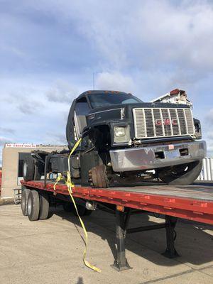 gmc topkick parts truck cat motor for Sale in Calverton, NY