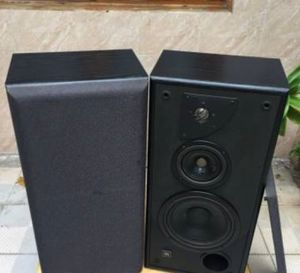Pair of JBL LXE-770 Speakers Cabinet Monitor 8 Ohms. Excellent Condition. for Sale in Davie, FL