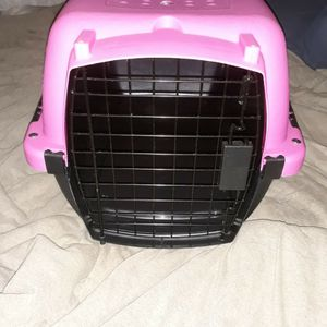 Medium Crate for Sale in Portland, OR