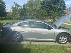 2003 dodge stratus coupe 2.4 engine automatic great on gas!!!! for Sale in Detroit, MI