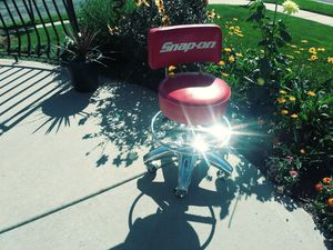 Snap On Tools Red Vinyl & Chrome Shop Chair for Sale in Salt Lake City, UT