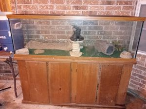 150 gallon fish tank with stand for Sale in Austin, TX