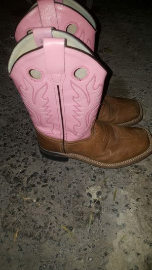 Girl boots size 3 for Sale in San Benito, TX