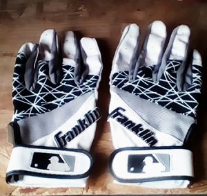 Kids baseball bating glove small large $5 eacb for Sale in Fresno, CA