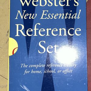 Webster's New Essential Reference Set for Sale in Philadelphia, PA
