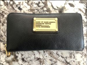 Marc By Marc Jacobs Classic Q Zip Around Wallet for Sale in Riverside, CA