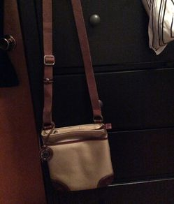 beige purse for Sale in Cleveland,  OH