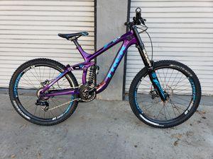 2015 Trek session 9.8 DH mountain bike for Sale in Chula Vista, CA