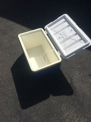 Cooler for the outdoors , used rugged for Sale in Mercer Island, WA