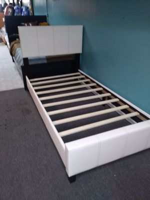 White twin bed for Sale in Dearborn, MI