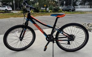 Giant XTC Jr 24 inch, 7 speed bike for Sale in Virginia Beach, VA