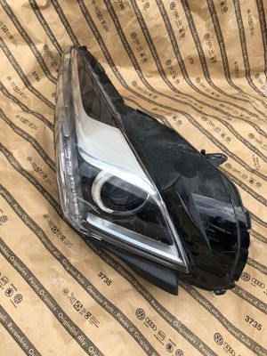 Cadillac CTS Hid Xenon Headlight Oem Passenger 2014-2017 Parts Only! for Sale in Houston, TX