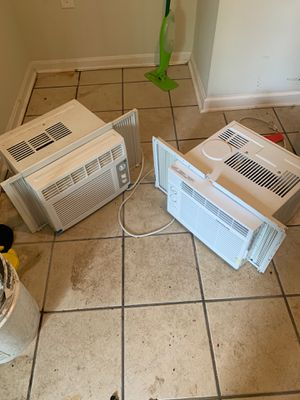 2 air conditioners must go today for Sale in Temple Hills, MD