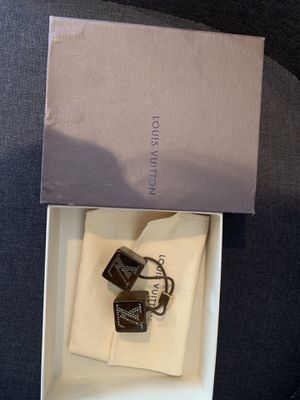 Authentic Louis Vuitton Brown and Amber Cubes Hair Accessories for Sale in Northbrook, IL