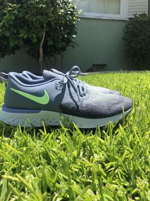 Nike odyssey react flyknit 2 running shoes for Sale in La Mirada, CA