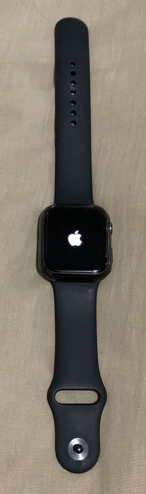 Apple Watch serie 4 for Sale in York, PA
