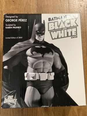 Collectible Batman statue for Sale in Los Angeles, CA