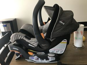 Chicco car seat with quick release for Sale in Benton City, WA
